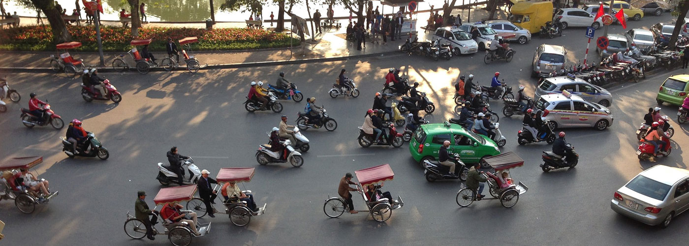 Travel Tip: The Cardinal Rules For Crossing The Road In Hanoi